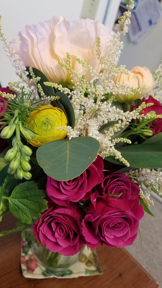 Sparrow's Flowers: 91  N Main St, Harrisonburg, VA