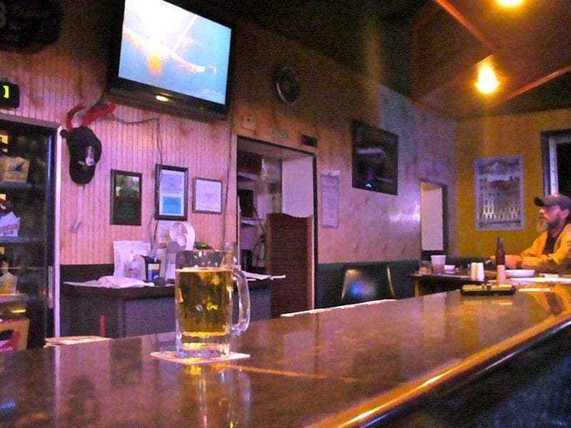 Mickey's Bar & Grill: 11830 N US Hwy 41, Farmersburg, IN