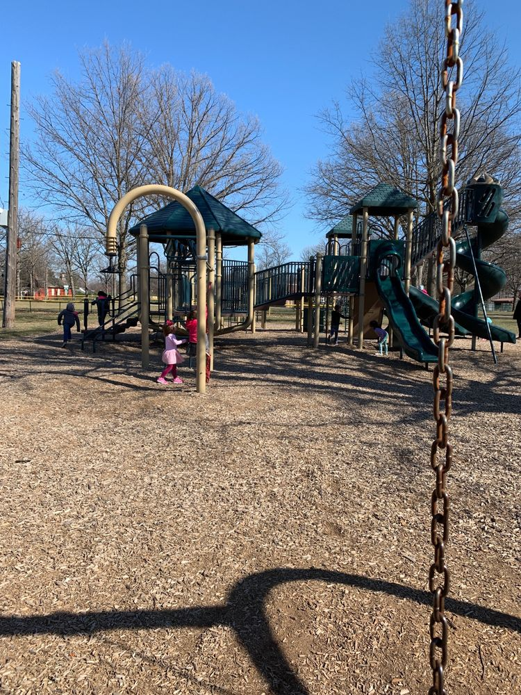 Ghesquiere Park: 19955 Mack Ave, Grosse Pointe Woods, MI