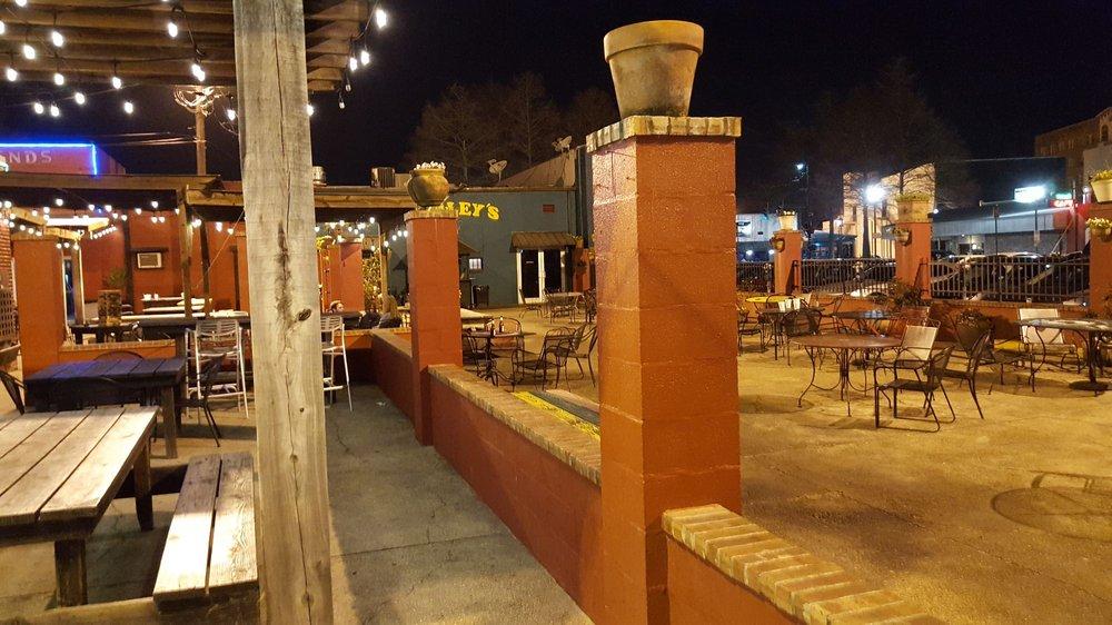 Legends Downtown: 413 Jefferson St, Lafayette, LA