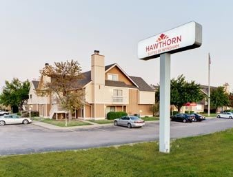Hawthorn Suites By Wyndham Wichita: 411 South Webb Road, Wichita, KS