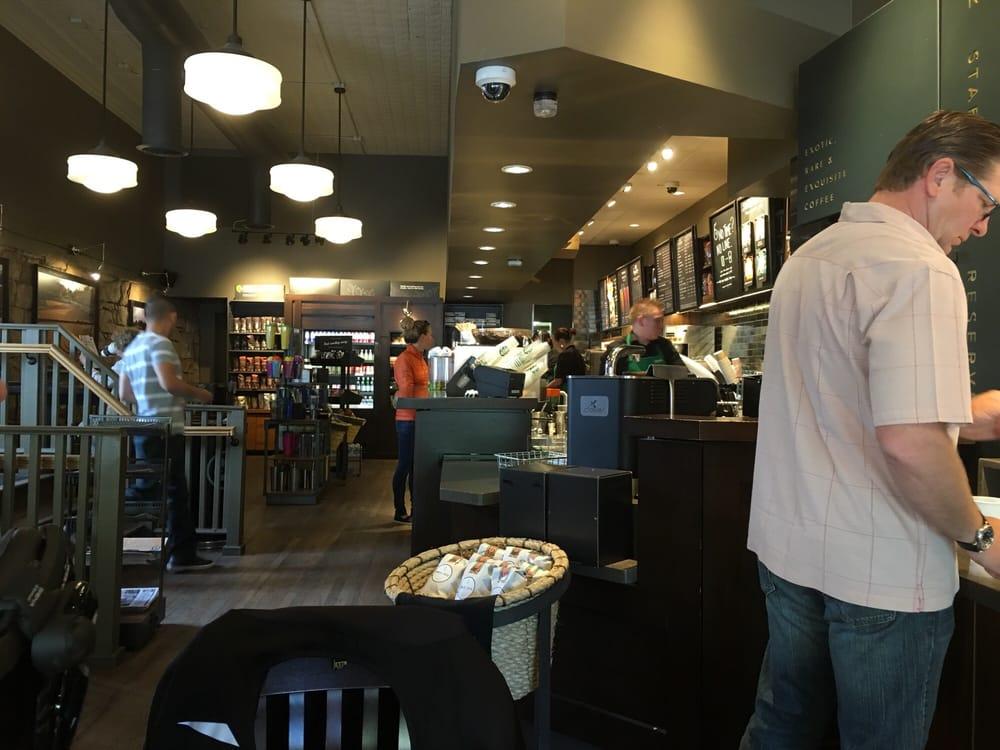 Starbucks 24 foto e 17 recensioni caff e t 558 for Noleggio di durango cabinado colorado