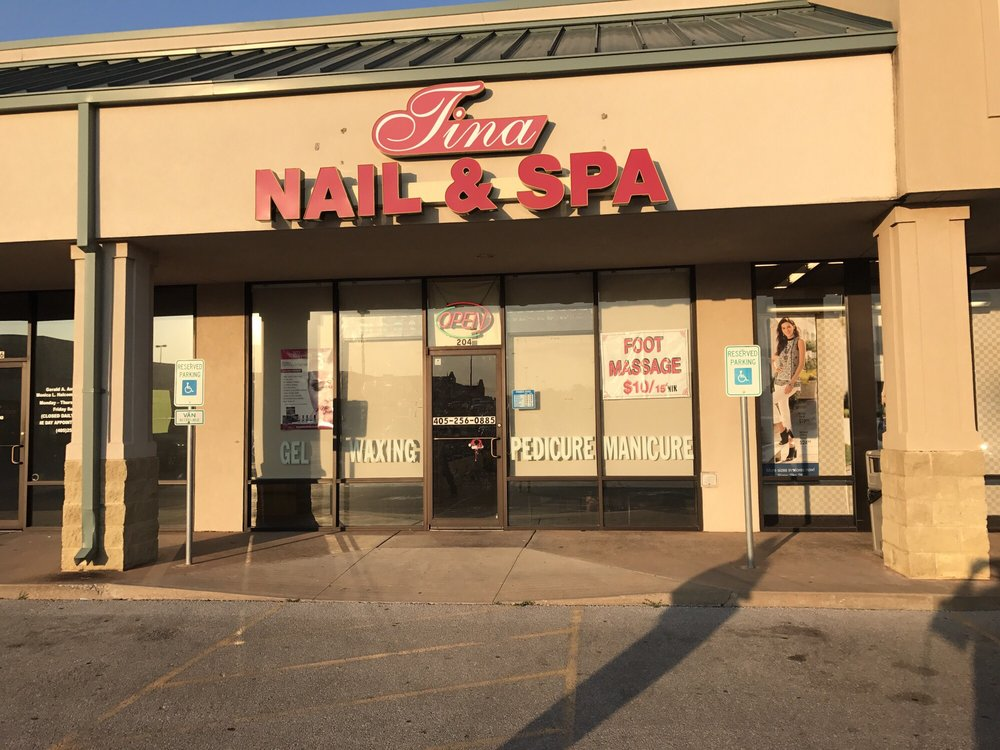 Ashley Nail & Spa: 204 N Mustang Mall Ter, Mustang, OK