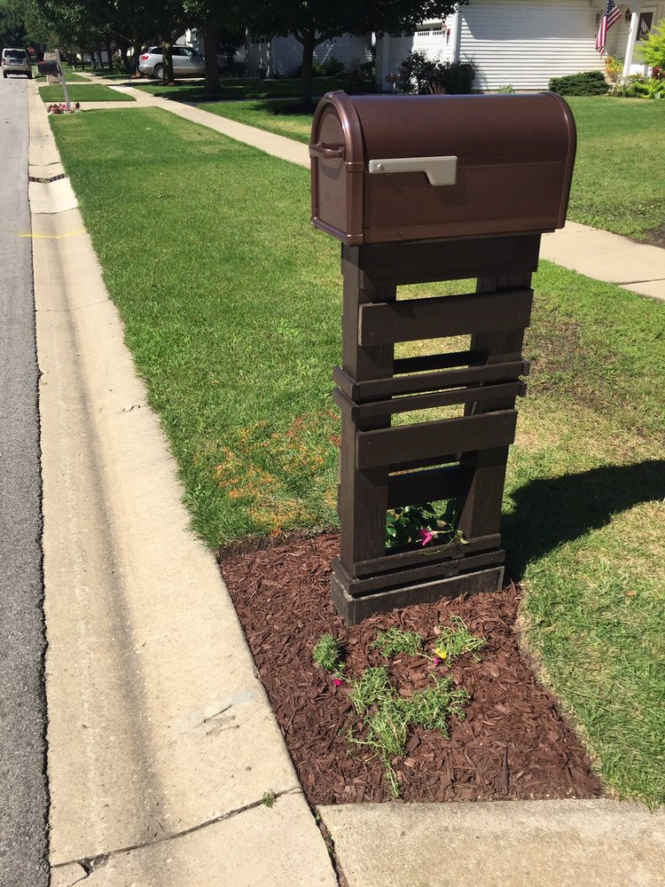 The Mailbox Post Man: 5309 Barnard Mill Rd, Ringwood, IL
