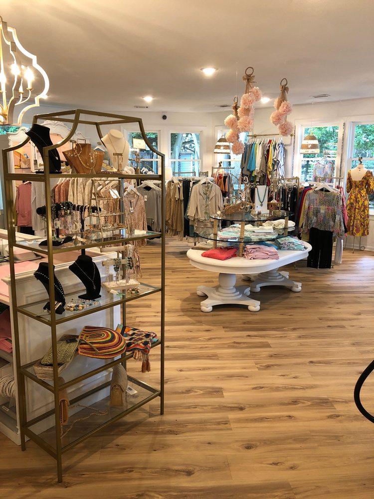 Mango's Boutique: 1177 Duck Rd, Duck, NC