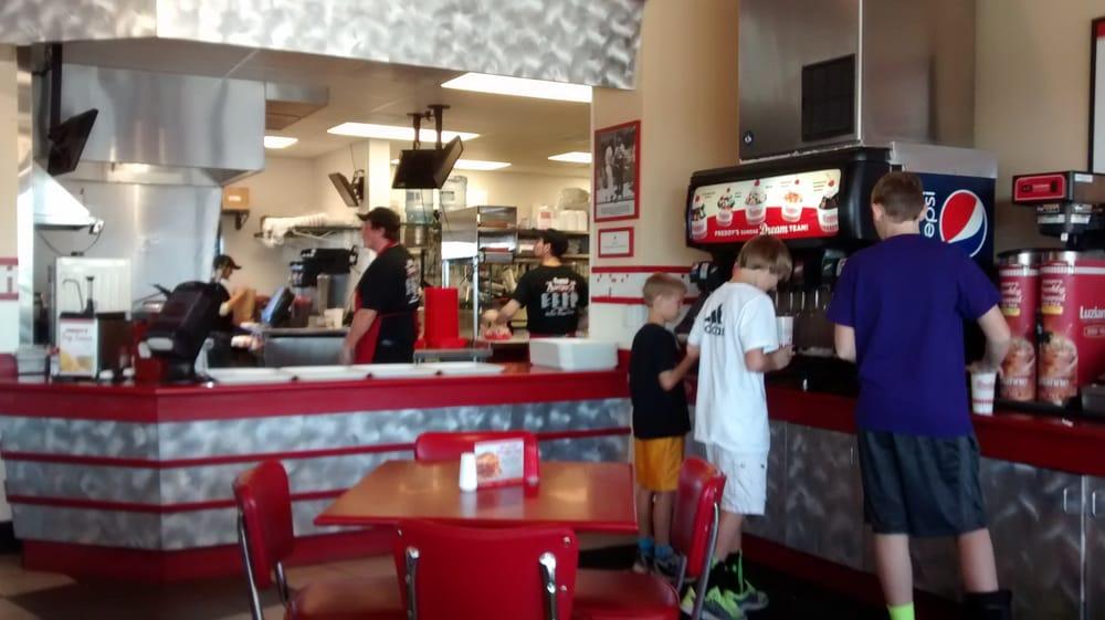 Freddy's Frozen Custard & Steakburgers: 1140 Allen Dr, Grand Island, NE