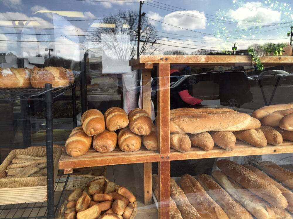 Dolci Momenti Bakery: 717 Medford Ave, East Patchogue, NY