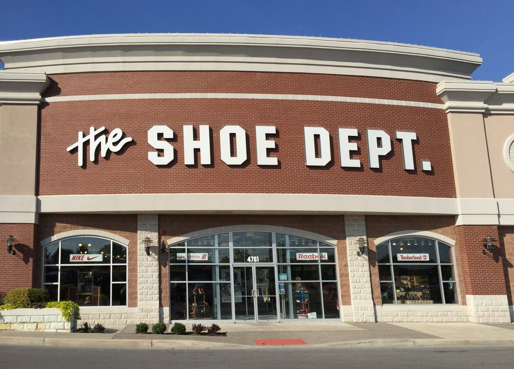 Shoe Dept. #1055: 4781 Commercial Dr, New Hartford, NY