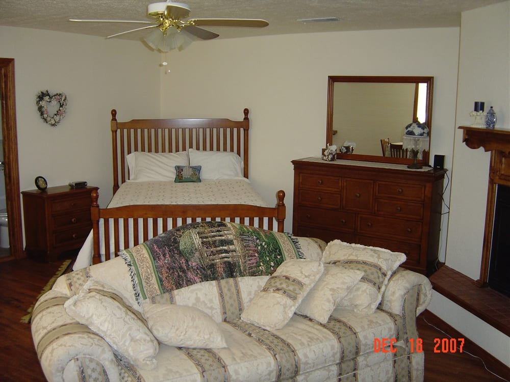 Almost Home Bed and Breakfast: 8168 New Mexico 206, Portales, NM