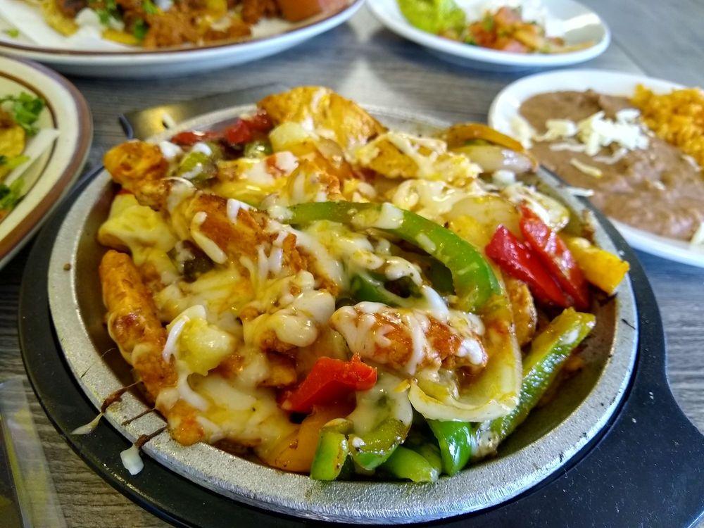 La Finca Mexican Restaurant: 3073 Fort St, Lincoln Park, MI