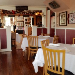 Photo Of Red Rooster Bistro Cutchogue Ny United States Cute French Country