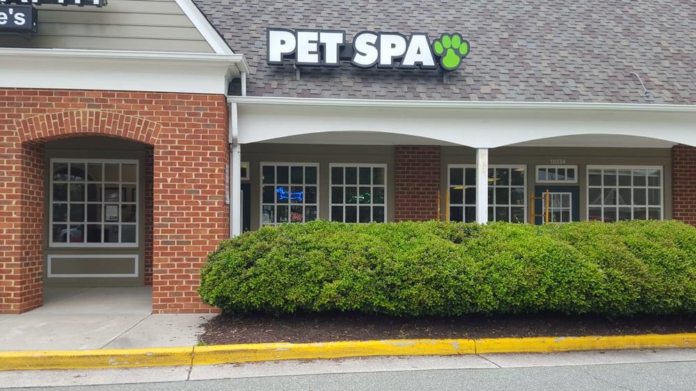 Lucky Dog Pet Spa: 10336 Iron Bridge Rd, Chester, VA