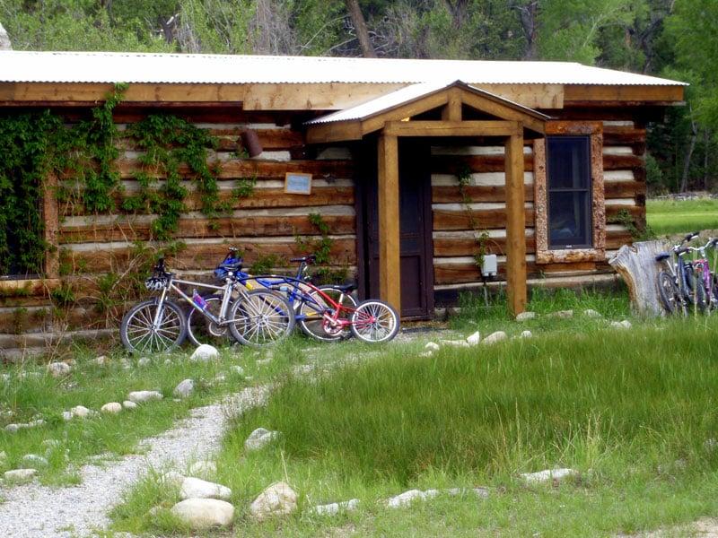 Antero hot springs cabins 45 photos vacation rentals for Vacation colorado cabins