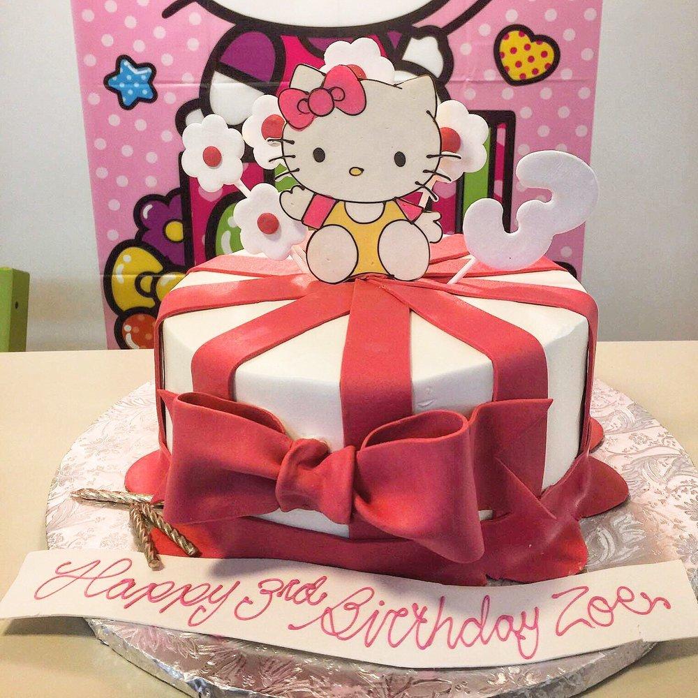 Custom Hello Kitty Cake Made With Rolled Chocolate 150 Yelp