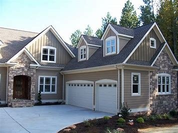 Home Maid: 25 Woods Lake Rd, Greenville, SC
