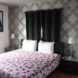 How to make my bedroom like a hotel room