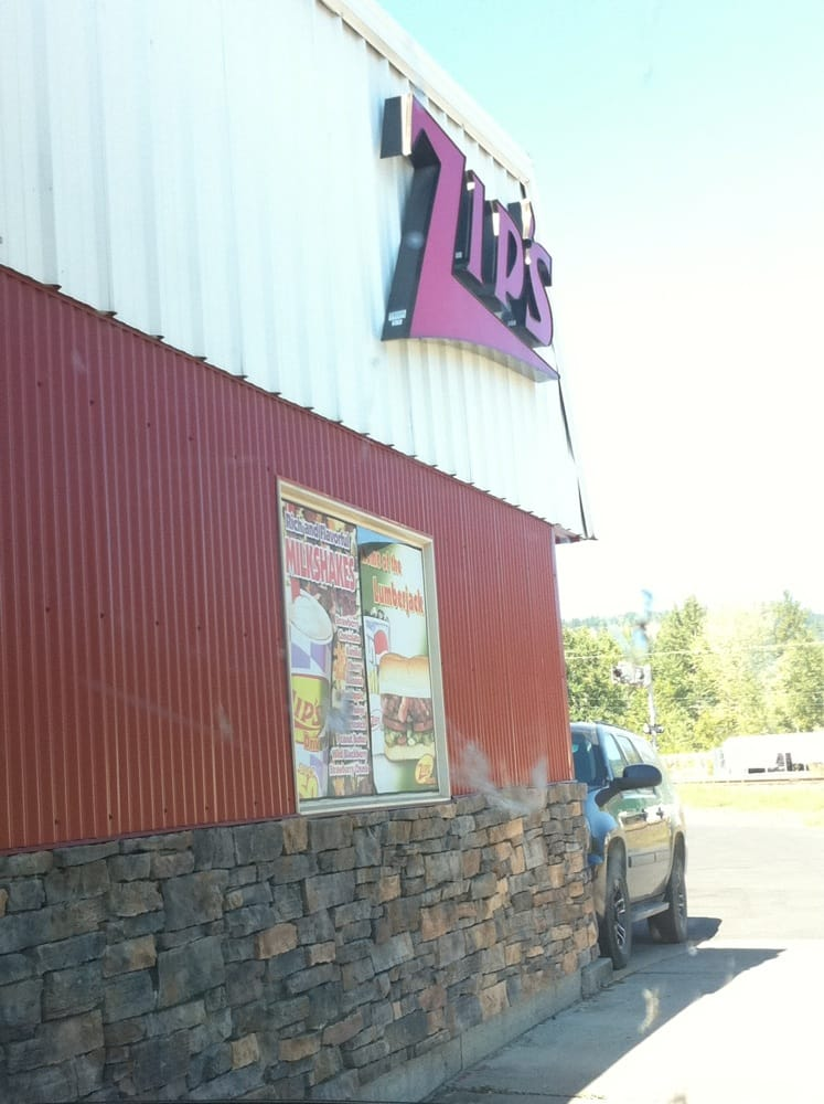 Zips Drive-In: 127 E College Ave, Saint Maries, ID