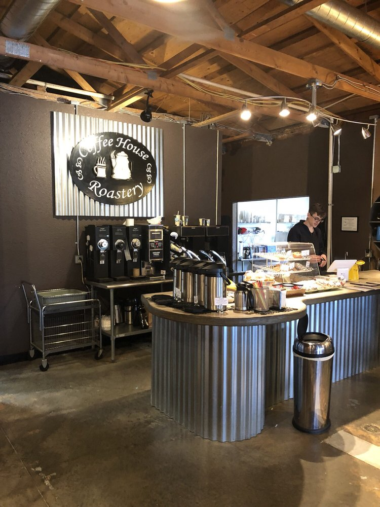Big Mountain Coffee House & Roastery: 3930 Hwy 101, Lincoln Beach, OR
