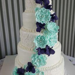 Kerri s cakes 25 photos cupcakes yakima wa phone number photo of kerri s cakes yakima wa united states wedding cake junglespirit Choice Image