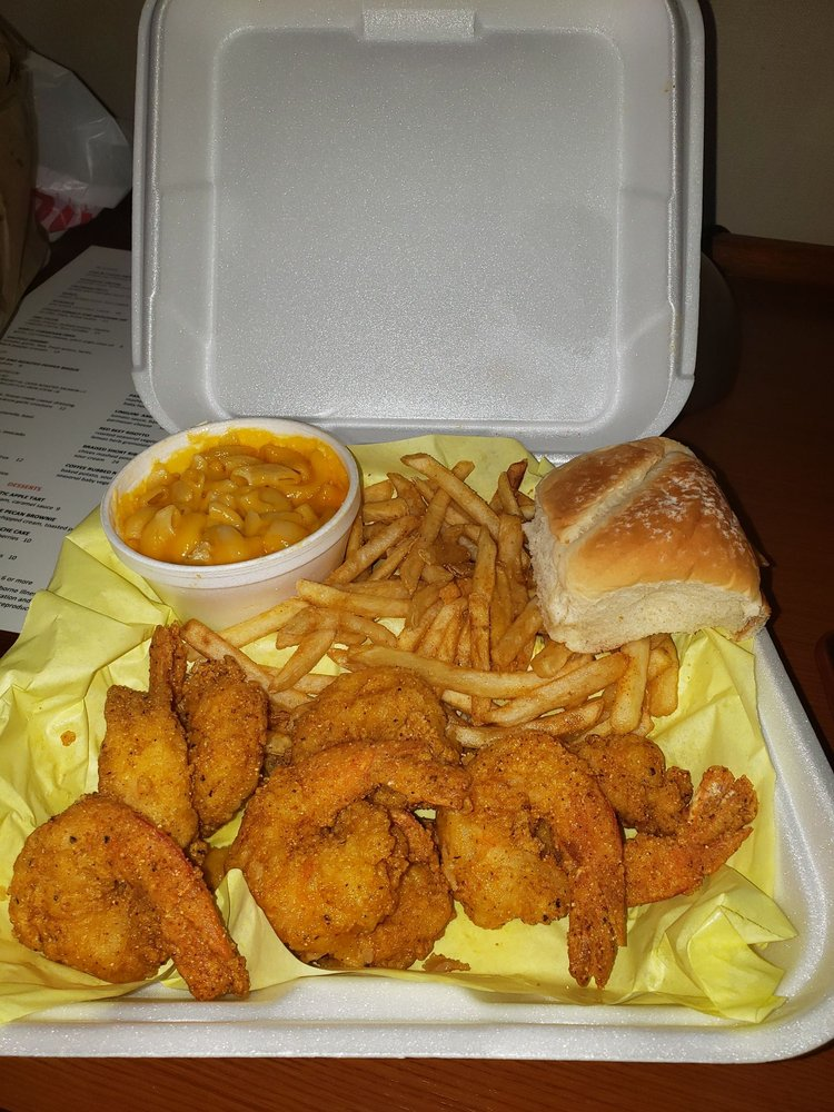 E & J Seafood: 424 E Manchester Blvd, Inglewood, CA