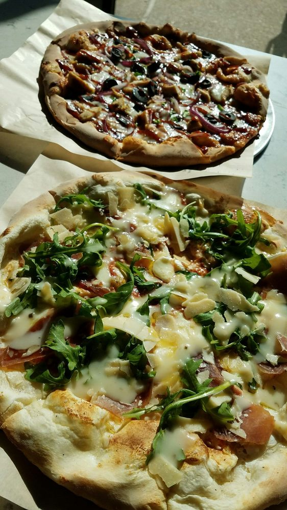 Spinfire Pizza: 20552 Easthampton Plaza, Ashburn, VA