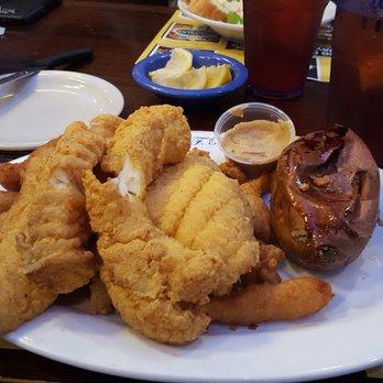 Marietta fish market 275 photos 390 reviews seafood for Marietta fish market