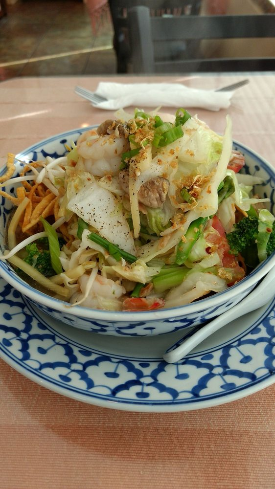 Ta Krai Thai Cuisine: 6661 N Hills St, Meridian, MS