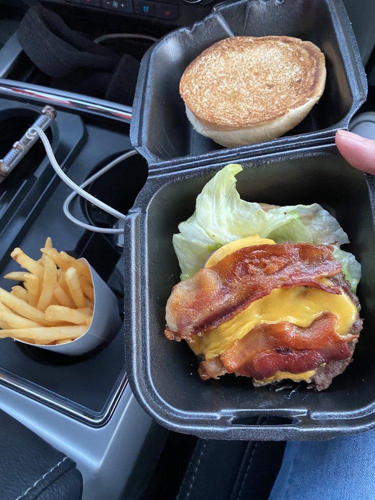 Ben's Burgers: 1325 SW Oralabor Rd, Ankeny, IA
