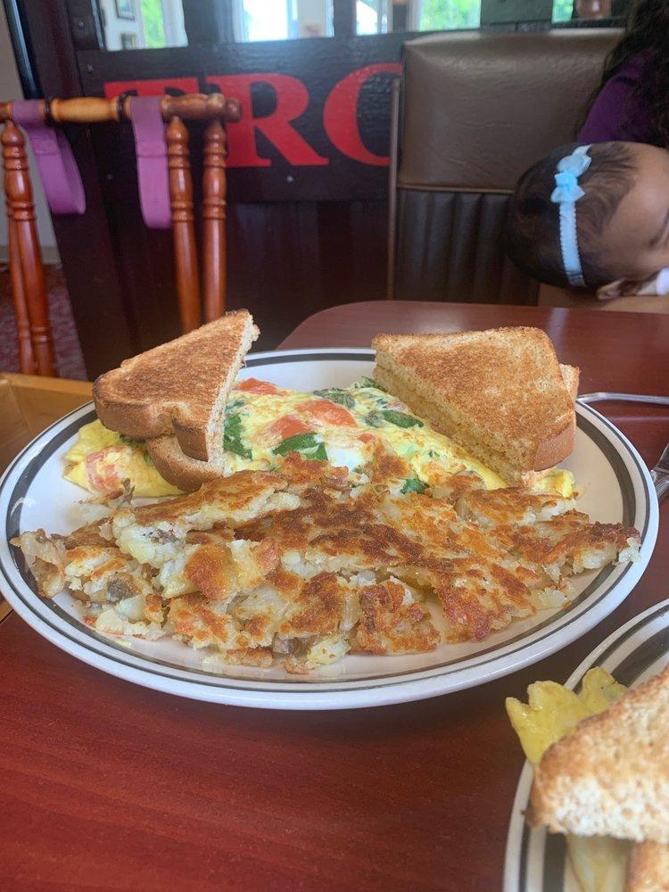 Trolley Shops Restaurant: 257 E Central Ave, Bangor, PA