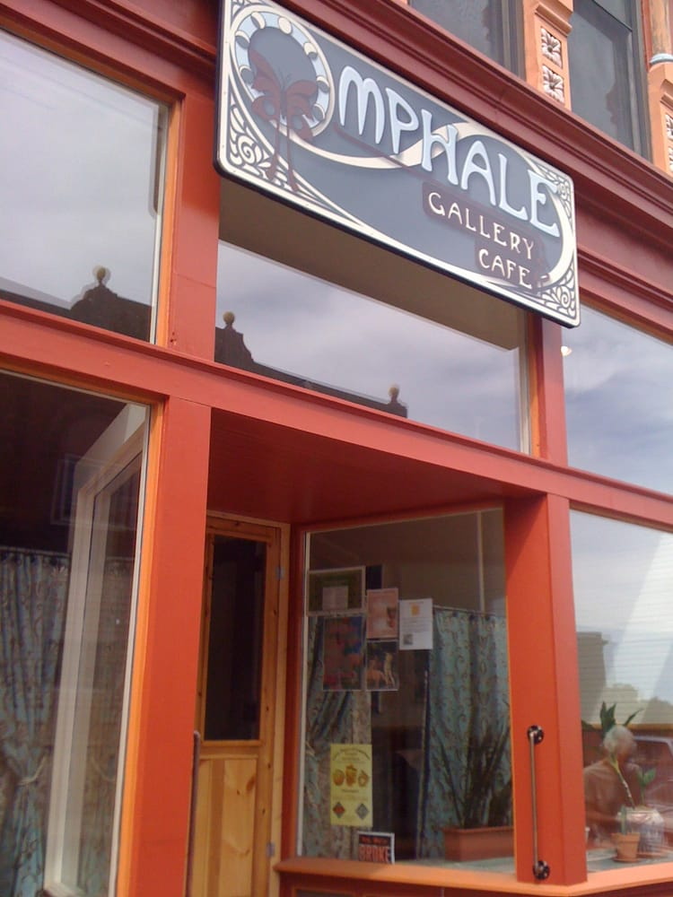 Omphale Gallery Cafe: 429 5th St, Calumet, MI