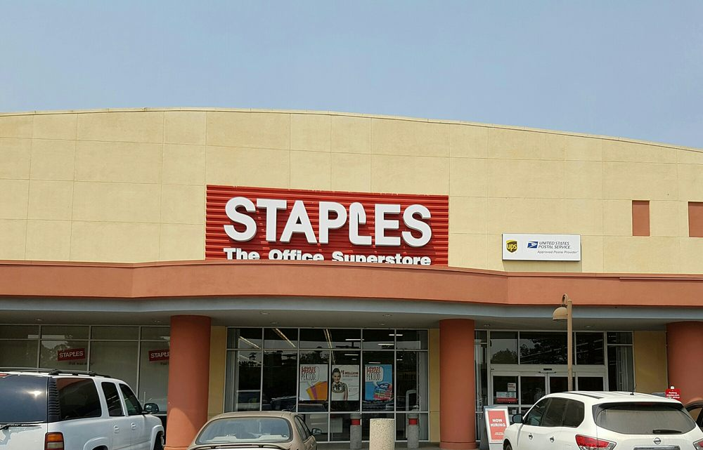 Staples 73 foto e 50 recensioni attrezzatura per l for Staples bernal