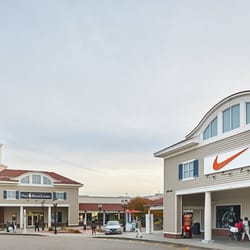 Dec 04,  · Wrentham Village Premium Outlets is located just 35 miles south of Boston, MA and 20 miles north of Providence, RI, just minutes off exit 15 on I From the entire team at Wrentham Village Premium Outlets, we hope that you will visit us soon/5().