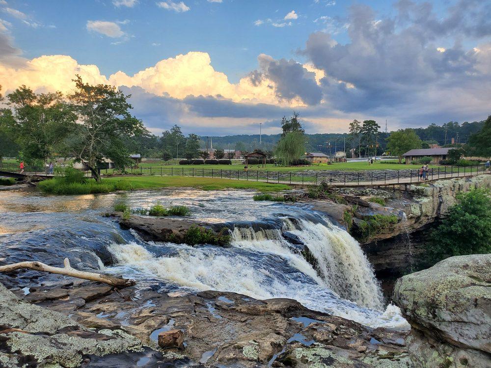 Noccalula Falls Park & Campgrounds: 1500 Noccalula Rd, Gadsden, AL
