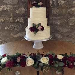 The cuppa cakery cake shop patisserie shops pill road bristol photo of the cuppa cakery bristol united kingdom wedding cake with rose decoration junglespirit Images