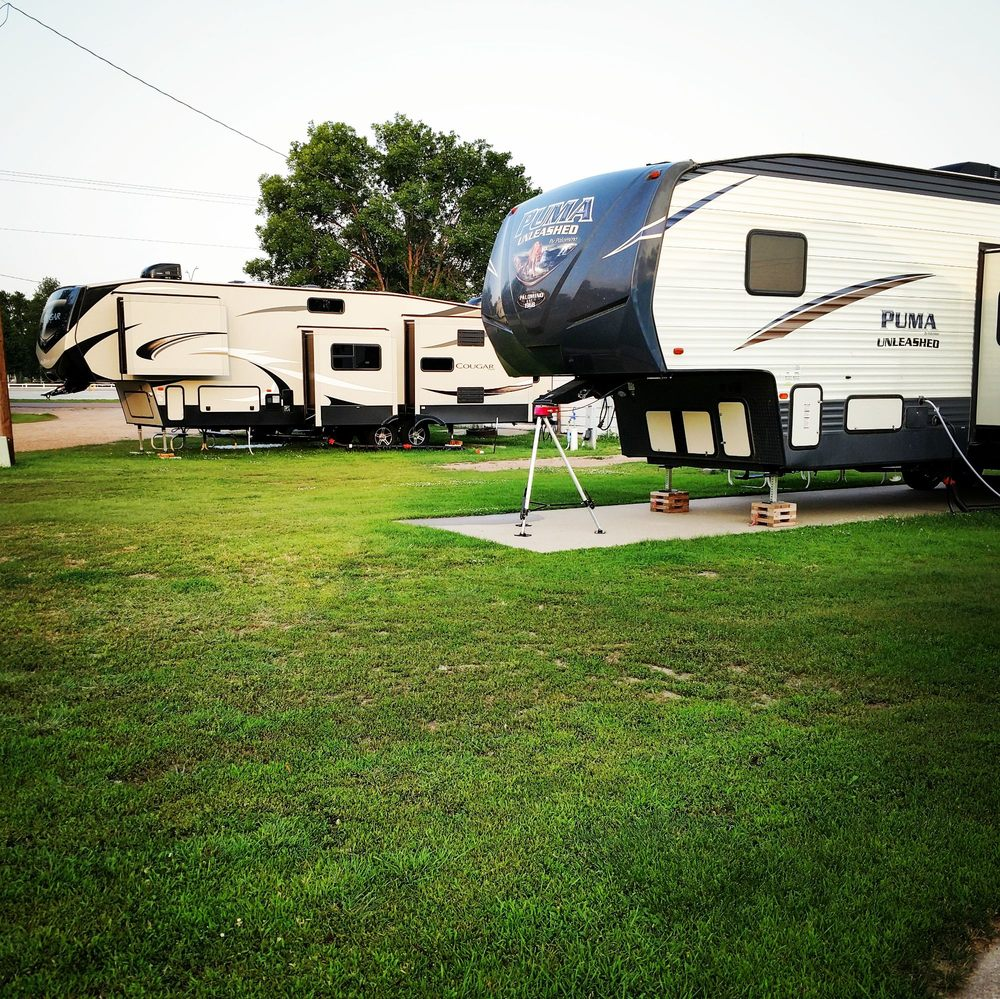 Oregon Trail RV Park: 702 N Carberry St, Atkinson, NE