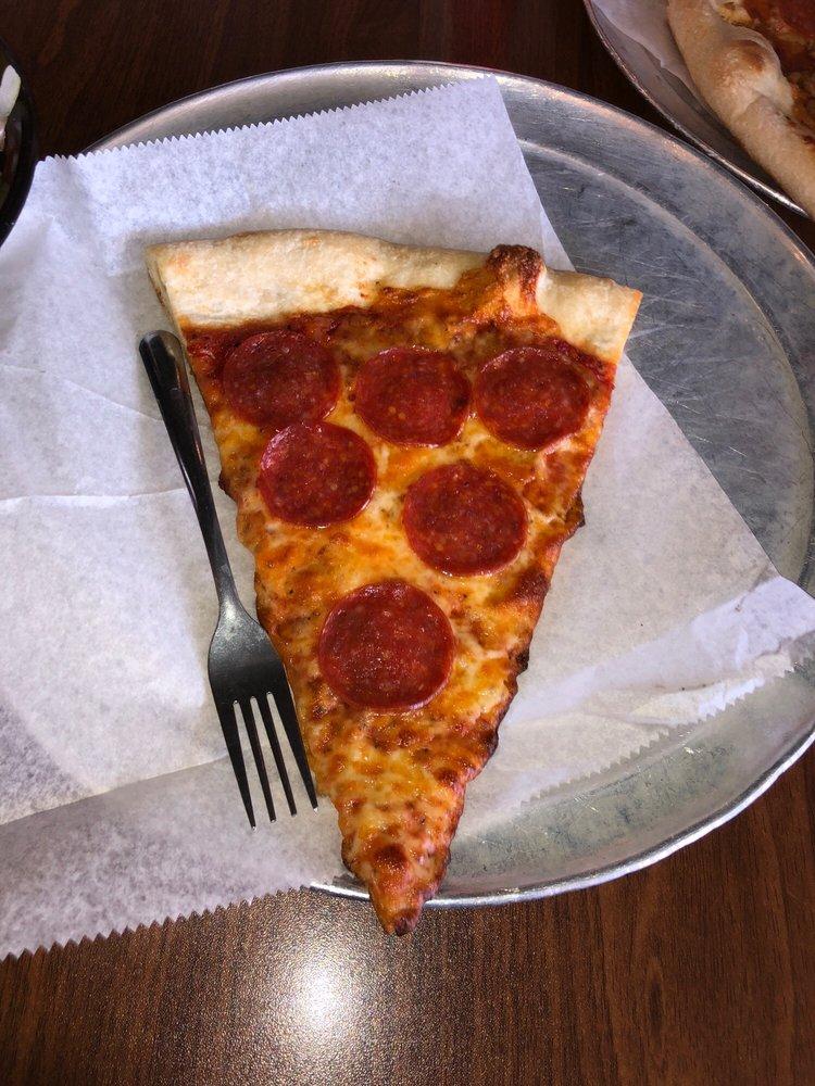 Oz Pizza: 5 W Broad St, Fairburn, GA