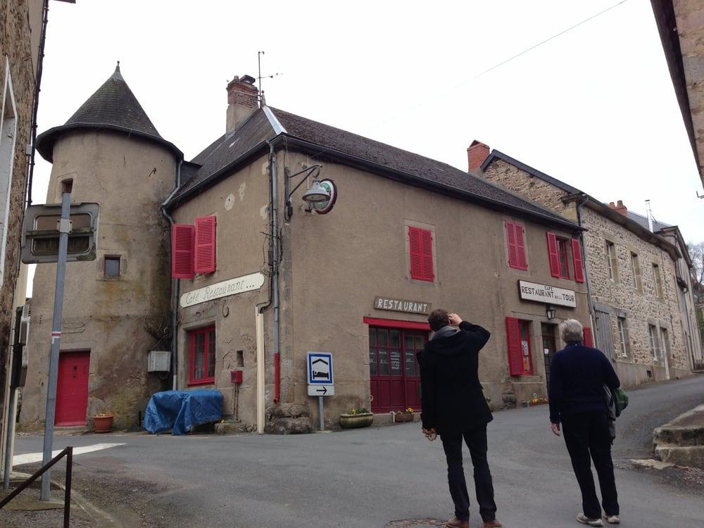 Restaurant De La Tour Larochemillay