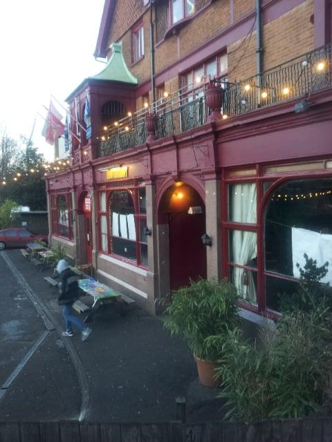 Hootananny 38 rese as pubs 95 effra road - Cyberdog london reino unido ...