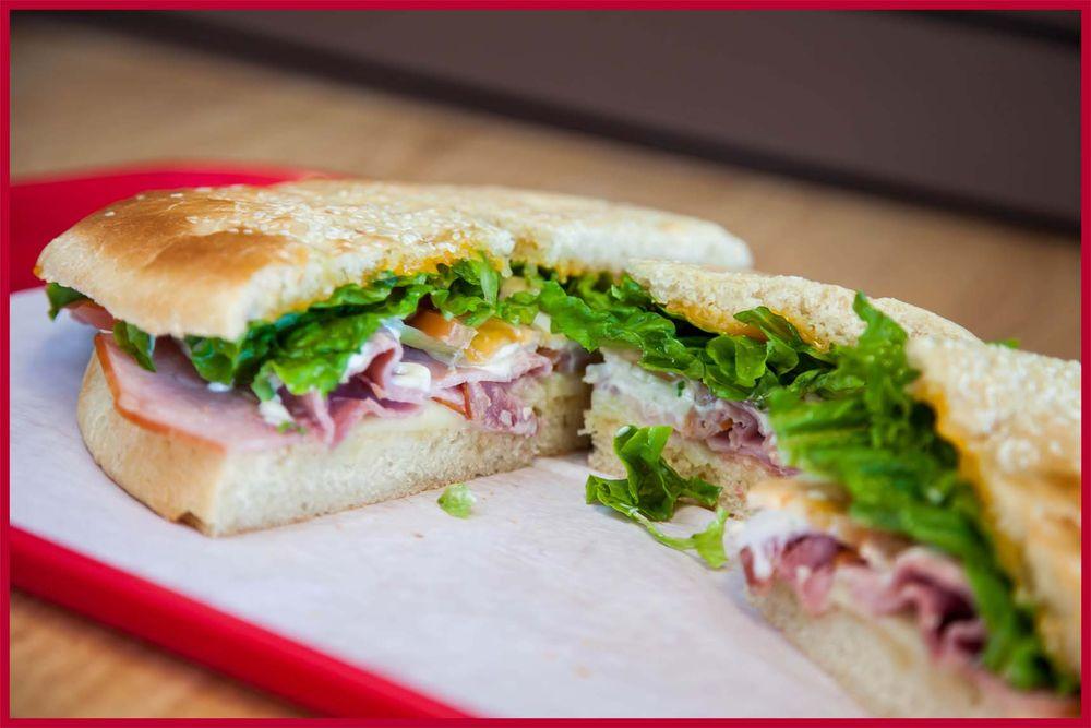 Alvin Ord's Sandwich Shop: 400 E Hwy 199, Springtown, TX