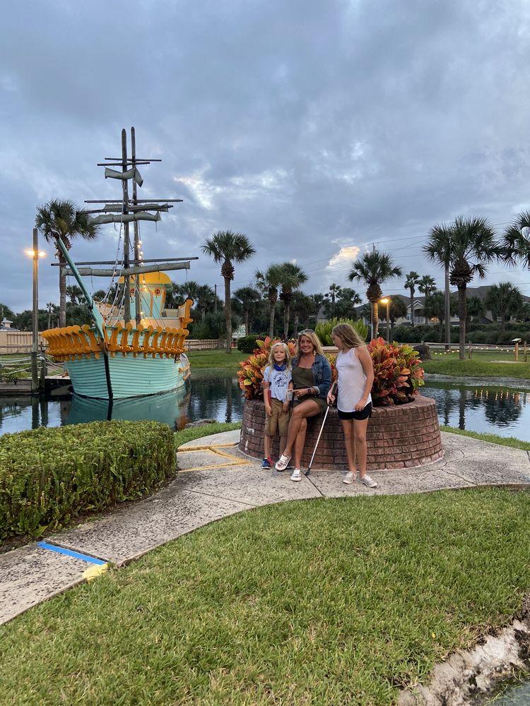 Fiesta Falls Minature Golf: 818 A1A Beach Blvd, Saint Augustine, FL