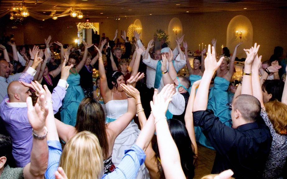 Black Tie Entertainment: 2644 Wright Rd NW, Uniontown, OH
