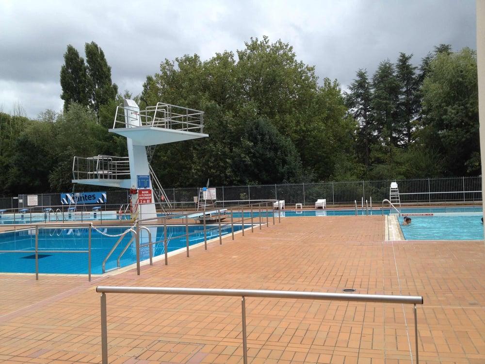 Piscine des dervalli res swimming pools rue du for Piscine near me