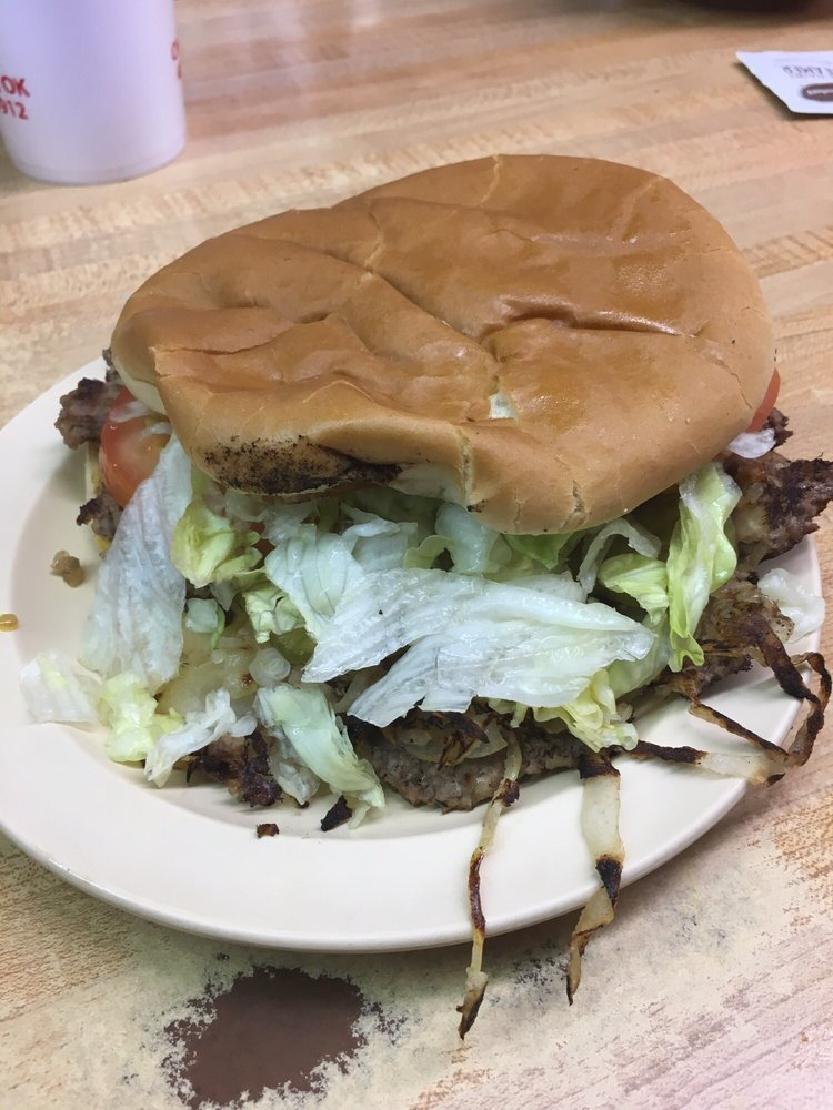 J & W Grill: 501 W Choctaw Ave, Chickasha, OK