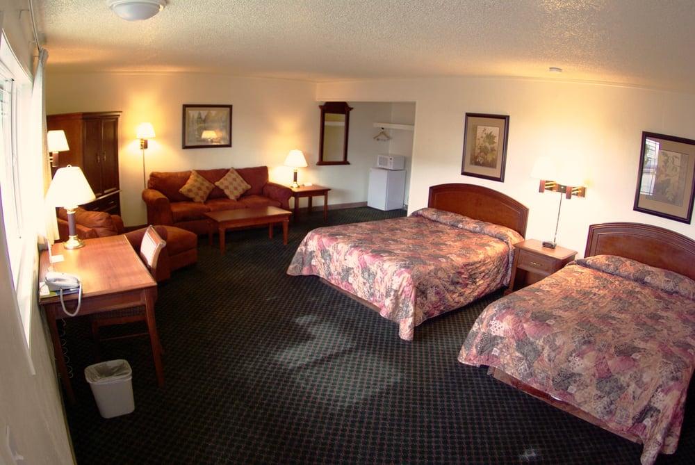 Gateway Inn: 700 W Main St, Grangeville, ID