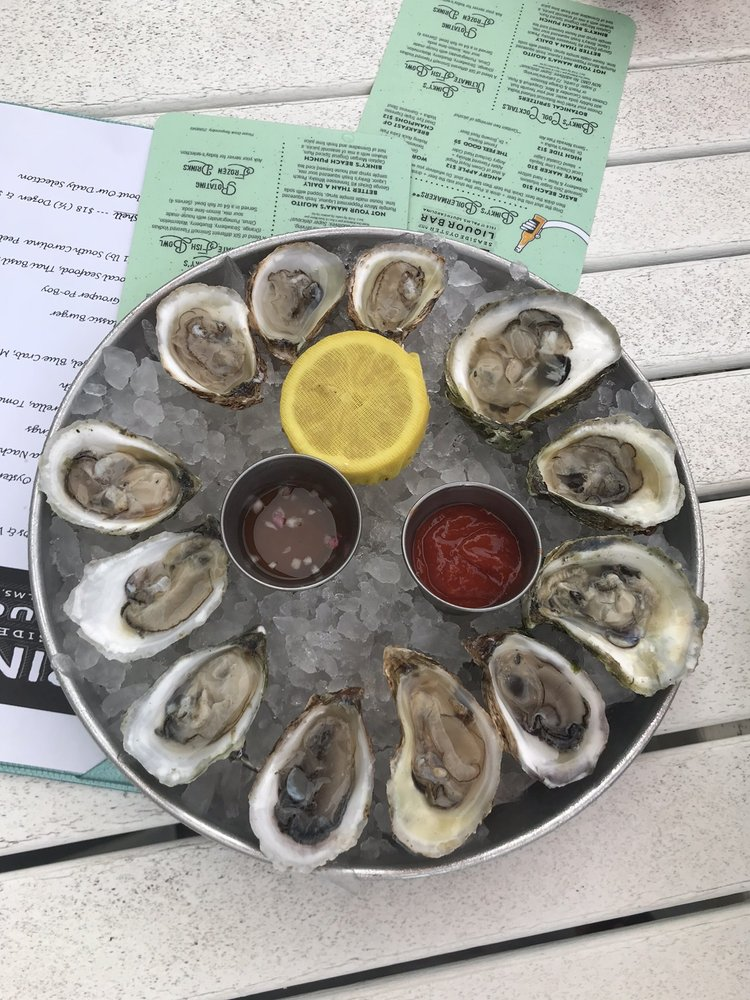Binky's  Seaside Oyster and Seafood Bar: 1130 Ocean Blvd, Isle of Palms, SC