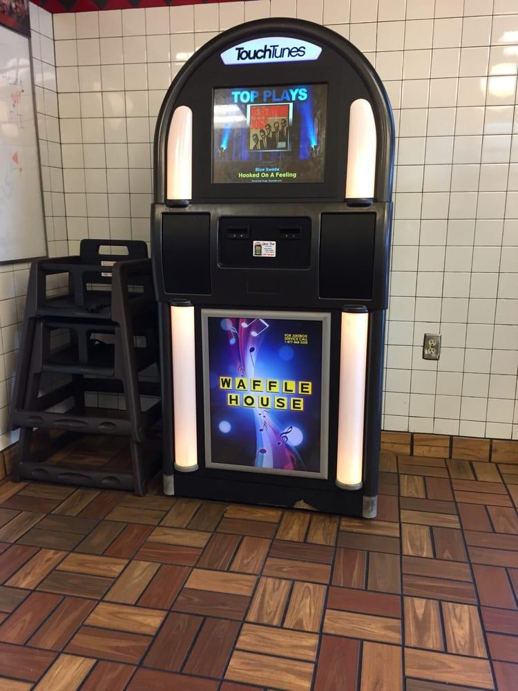 Modern day jukebox lol yelp for Waffle house classic jukebox favorites