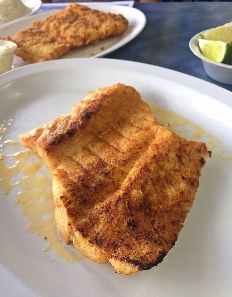 Bahamas fish market restaurant 137 foton 96 for Bahamas fish market