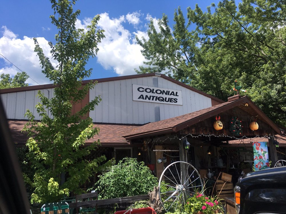 Colonial Antiques: 11867 N US Highway 41, Farmersburg, IN