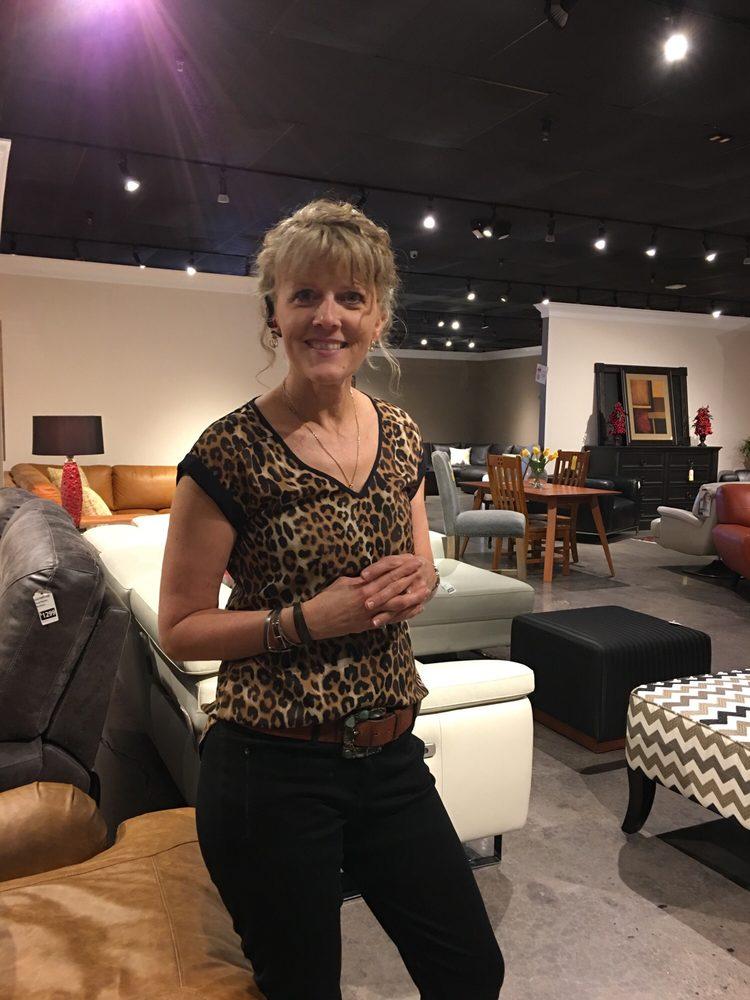 THaT Furniture Store: 2722 N Salisbury Blvd, Salisbury, MD