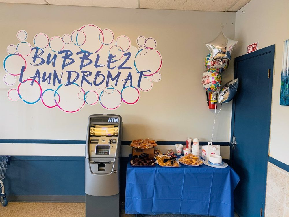 Bubblez Laundromat: 265 W Elk Trl, Carol Stream, IL